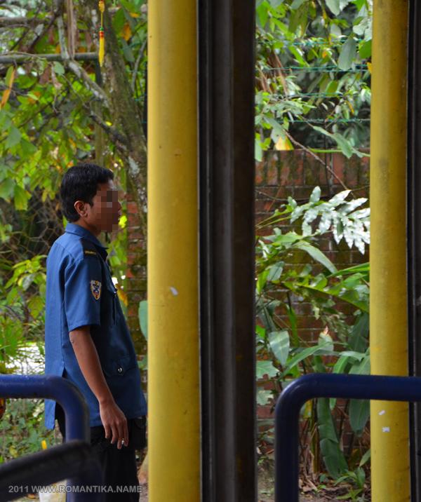 guard-entrance-b
